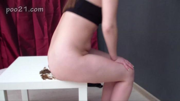 Milana Pooping in Panties With Farting HD 720p (MilanaSmelly /  2018) 509 MB