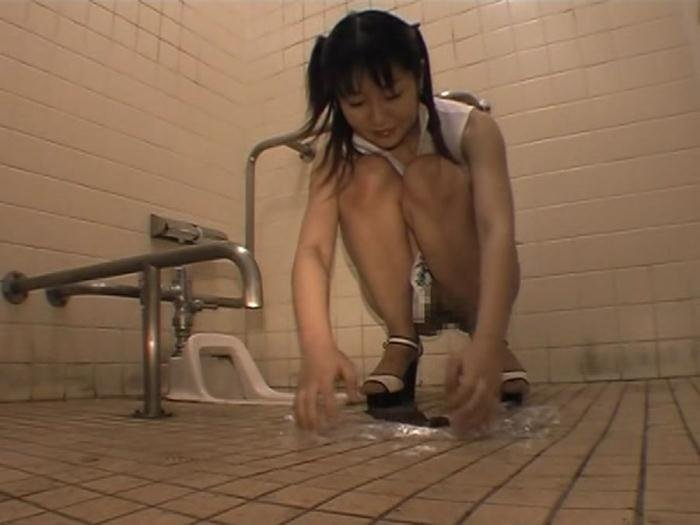 Public toilet for a young Japanese bitch DVDRip (ODV 218 /  2018) 918 MB