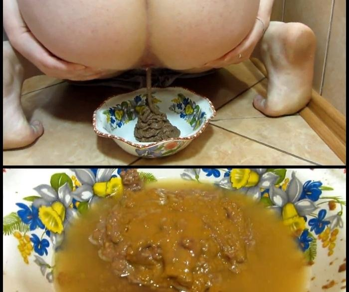 Scat and pissing in a bowl for you! Food is for you FullHD 1080p (KassianeArquetti /  2018) 285 MB