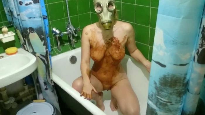 Smearing shit in a gas mask FullHD 1080p (Brown Wife /  2018) 671 MB
