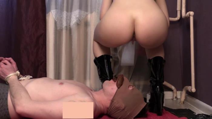 Mature Milf Big Round Tits
