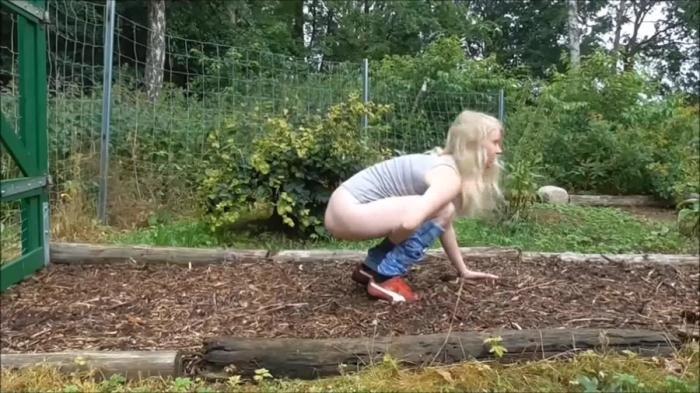 sexy girls pooping ihre hoschen