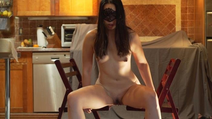 Shitting between two chairs FullHD 1080p (MistressSophia /  2018) 206 MB