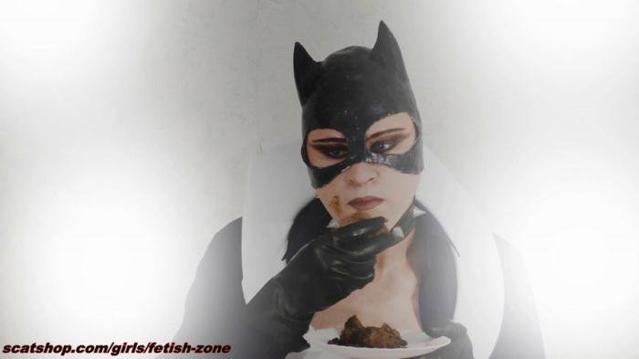Catwoman smears and swallows FullHD 1080p (Fetish-zone /  2019) 1.56 GB