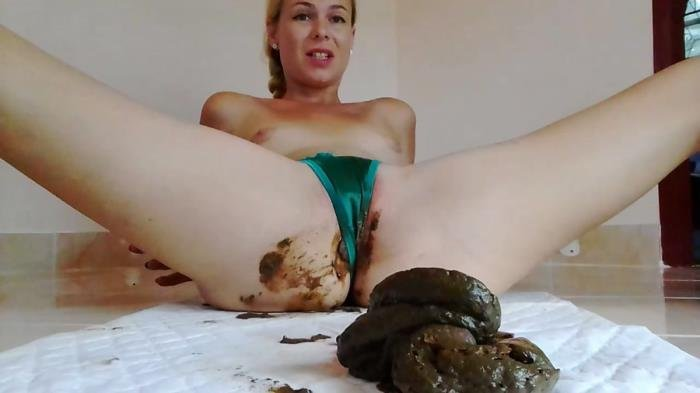 Naked Strong Stream Peeing In Doggy Desperatio HD 720p (Giant Poo In Satin Thong, Intense Orgasm, Desperation /  2019) 807 MB
