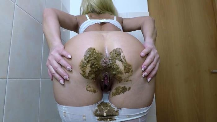 AnalFuck and Shit In Front of Window FullHD 1080p (Scatdesire /  2019) 5.70 GB