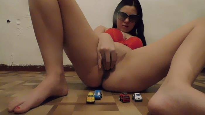 Toys on poop FullHD 1080p (miss_Di /  2020) 871 MB