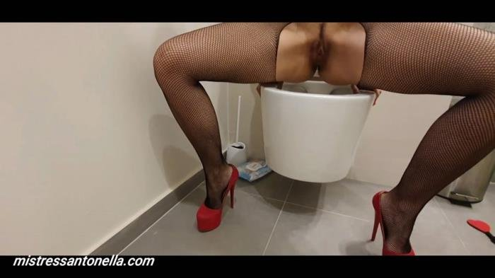 Sexy teasing with caviar and champagne FullHD 1080p (MistressAntonellaSilicone /  2020) 1.78 GB