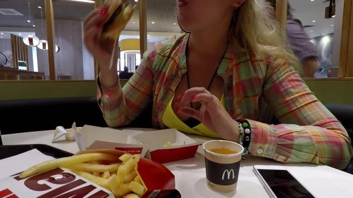 McDonalds Poop and Pee FullHD 1080p (Janet /  2020) 1.44 GB