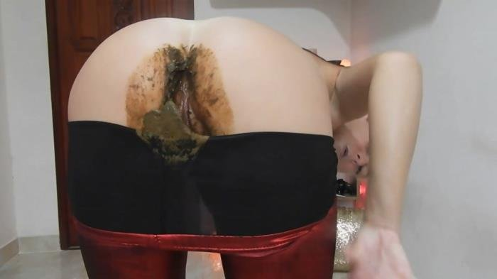 Nasty Nasty Red Shiny Leggings Poo/Farts FullHD 1080p (MissAnja /  2020) 1.41 GB