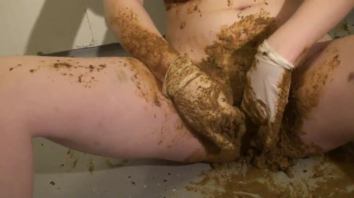 With Gloves In Shit FullHD 1080p (Julia Dream /  2021) 663 MB
